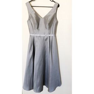 Oleg Cassini size 6 silver formal dress
